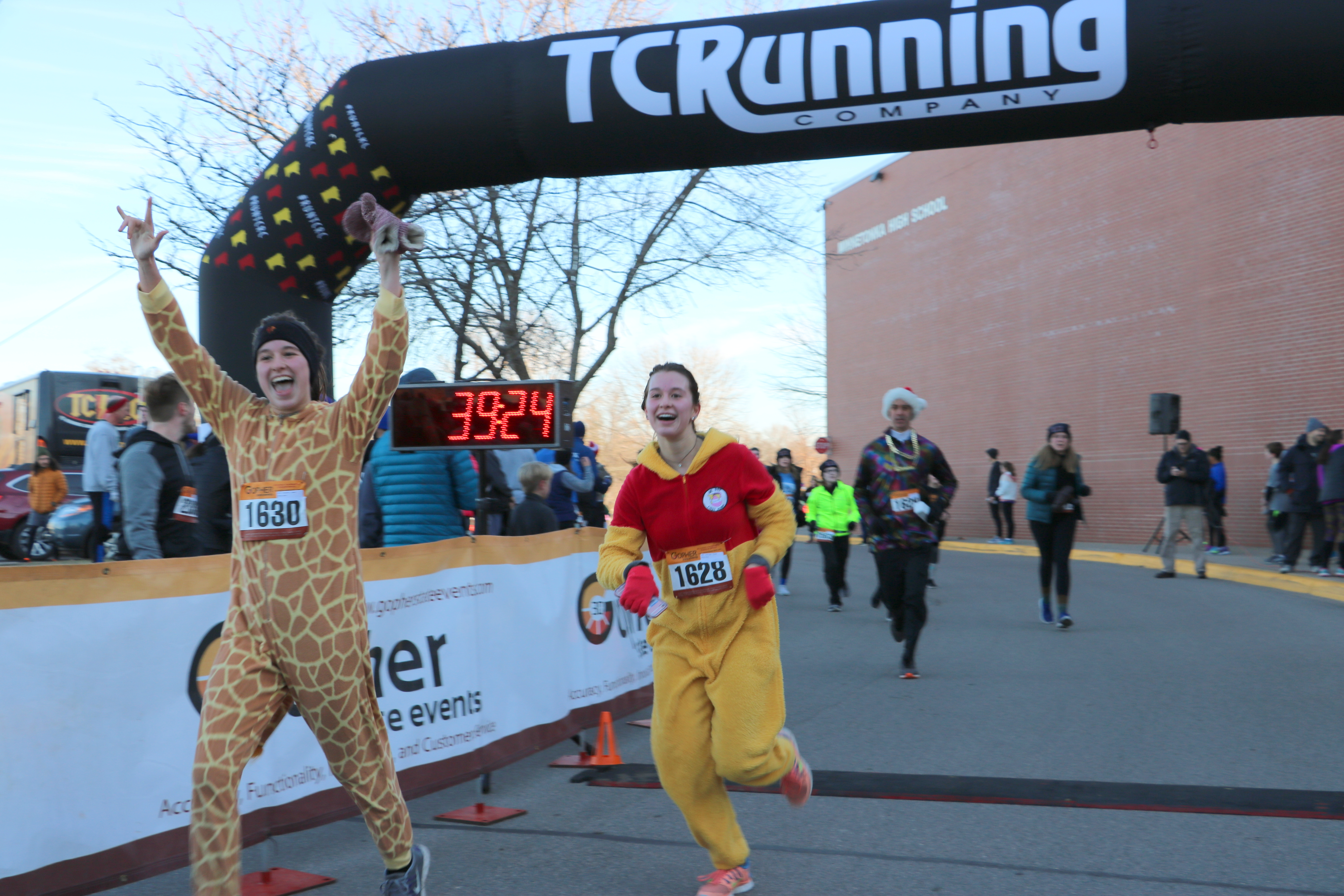 Tonka Turkey Trot participants